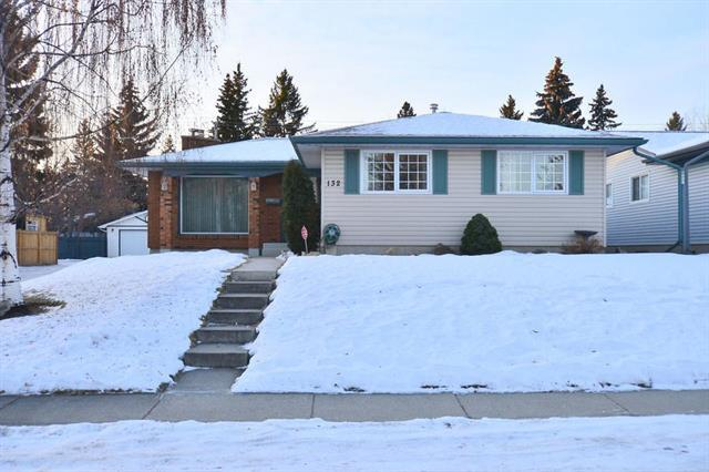 132 Lake Linnet Close SE, Calgary, AB T2J 2J1 (#C4222269) :: Calgary Homefinders