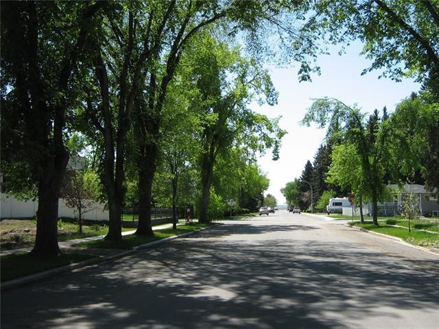 530 8th Street SW, High River, AB T1V 1B8 (#C4222289) :: The Cliff Stevenson Group