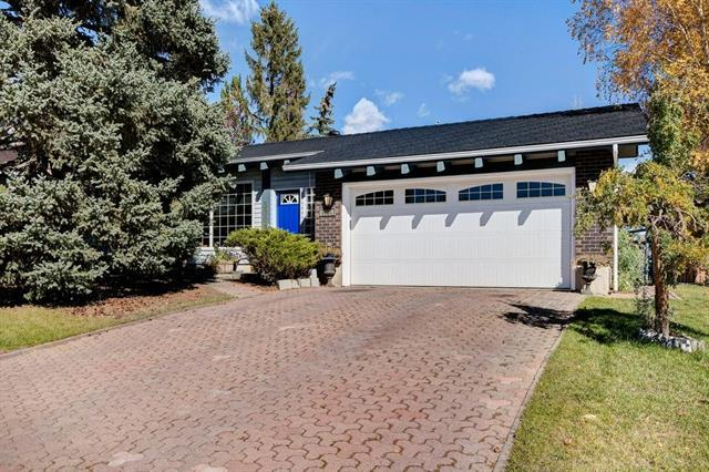 5904 Dalcastle Crescent NW, Calgary, AB T3A 1S4 (#C4222566) :: The Cliff Stevenson Group