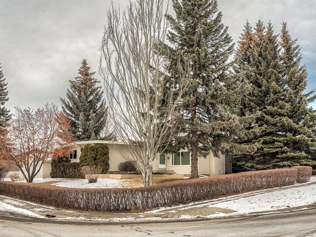 5723 Dalhousie Drive NW, Calgary, AB T3A 1T2 (#C4222828) :: Redline Real Estate Group Inc