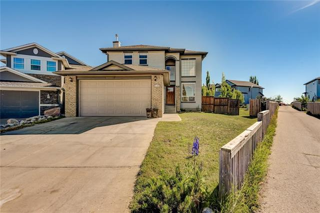114 Royal Highland Road NW, Calgary, AB T3G 4Y4 (#C4222860) :: Calgary Homefinders