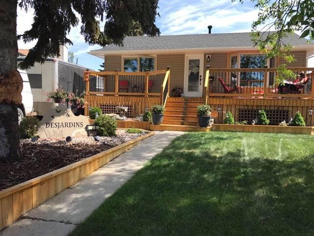 26 Lynndale Crescent SE, Calgary, AB T2C 0T7 (#C4223021) :: Redline Real Estate Group Inc
