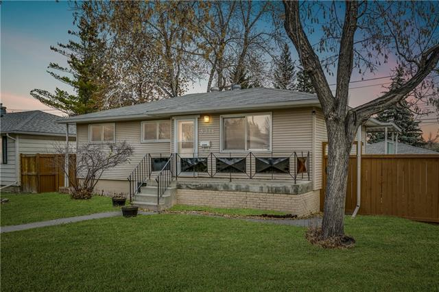 8316 Bowness Road NW, Calgary, AB T3B 0H6 (#C4223112) :: The Cliff Stevenson Group