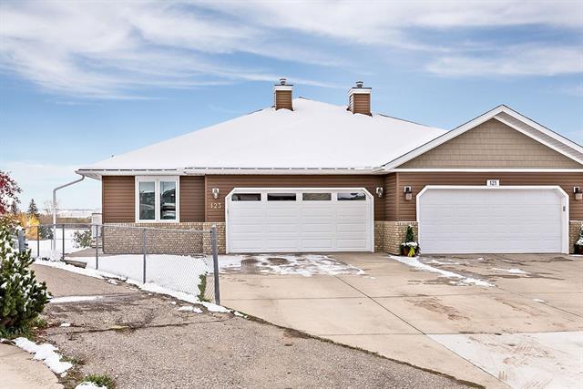 123 Sandstone Court, Okotoks, AB T1S 1R2 (#C4223438) :: Redline Real Estate Group Inc