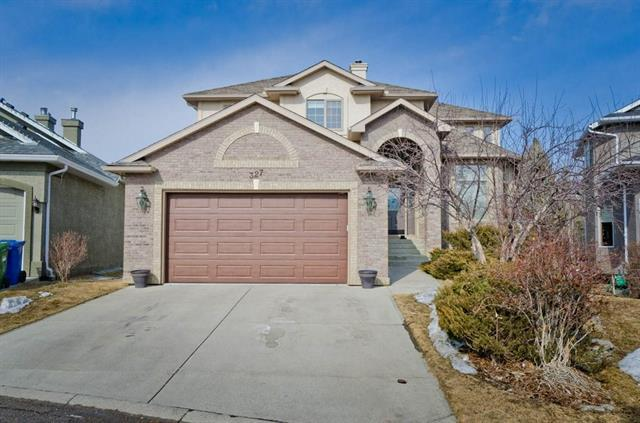 327 Valley Springs Terrace NW, Calgary, AB T3B 5P7 (#C4223736) :: The Cliff Stevenson Group