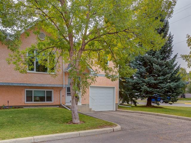 401 Fairway Lane NW, High River, AB T1V 1E1 (#C4223742) :: Redline Real Estate Group Inc