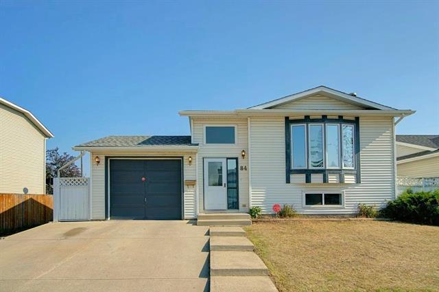 84 Appletree Crescent SE, Calgary, AB T2A 7K7 (#C4223748) :: Redline Real Estate Group Inc