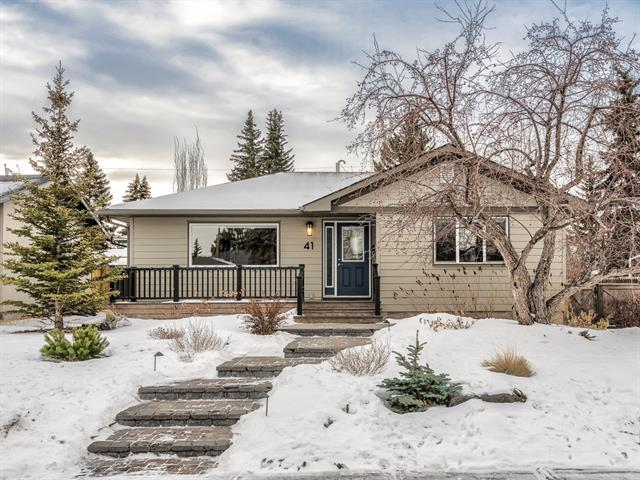 41 Langton Drive SW, Calgary, AB T3E 5G1 (#C4224161) :: Canmore & Banff