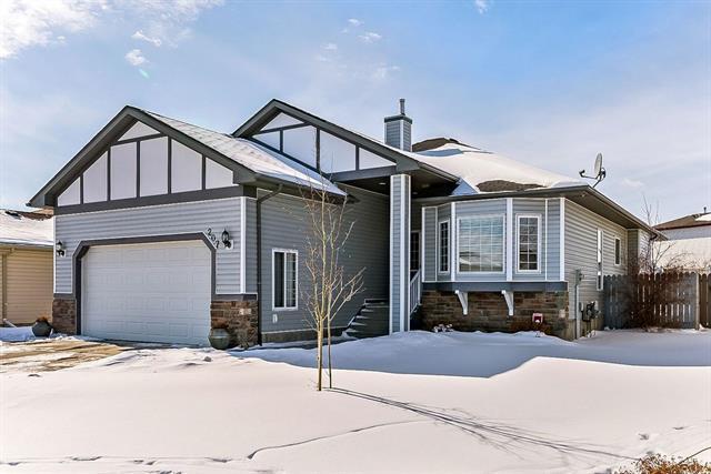 207 High Ridge Crescent NW, High River, AB T1V 1X8 (#C4224202) :: Calgary Homefinders