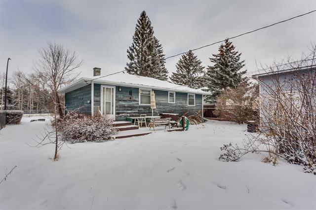 4711 69 Street NW, Calgary, AB T3B 2K3 (#C4224220) :: Redline Real Estate Group Inc
