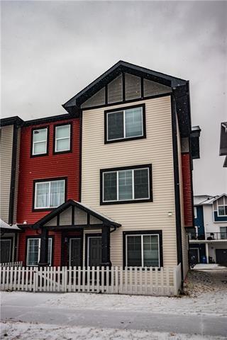 2301 Jumping Pound Common, Cochrane, AB T4C 1V4 (#C4224257) :: Redline Real Estate Group Inc