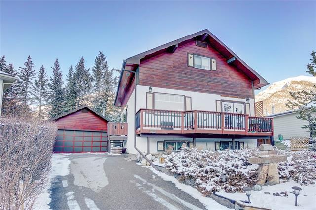 320 Pioneer Road, Canmore, AB T1W 1E7 (#C4224712) :: Calgary Homefinders