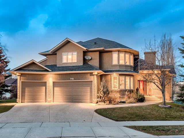 251 Country Hills Close NW, Calgary, AB T3K 3Z2 (#C4224740) :: Calgary Homefinders
