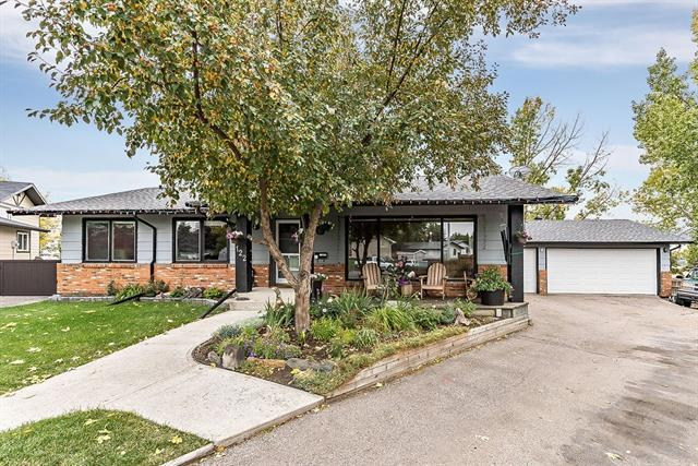 122 Hodson Crescent, Okotoks, AB T1S 1C6 (#C4224761) :: The Cliff Stevenson Group