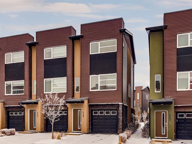 449 Covecreek Circle NE, Calgary, AB T3K 0W6 (#C4224904) :: Redline Real Estate Group Inc
