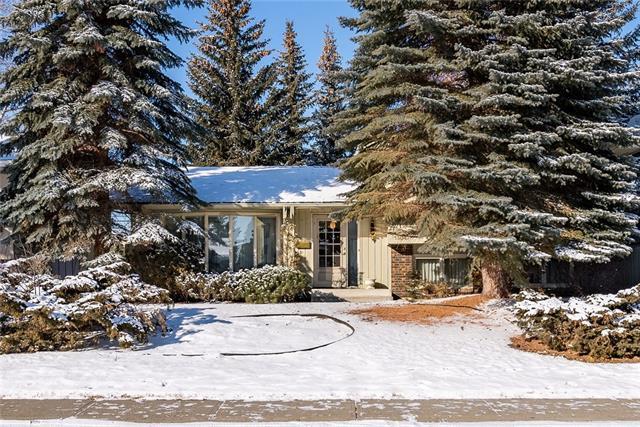 13047 Lake Twintree Road SE, Calgary, AB T2J 2X2 (#C4224925) :: The Cliff Stevenson Group