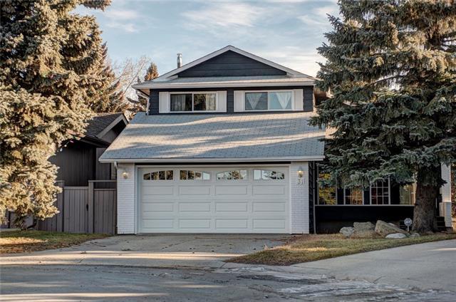 31 Coach Ridge Place SW, Calgary, AB  (#C4224959) :: Redline Real Estate Group Inc