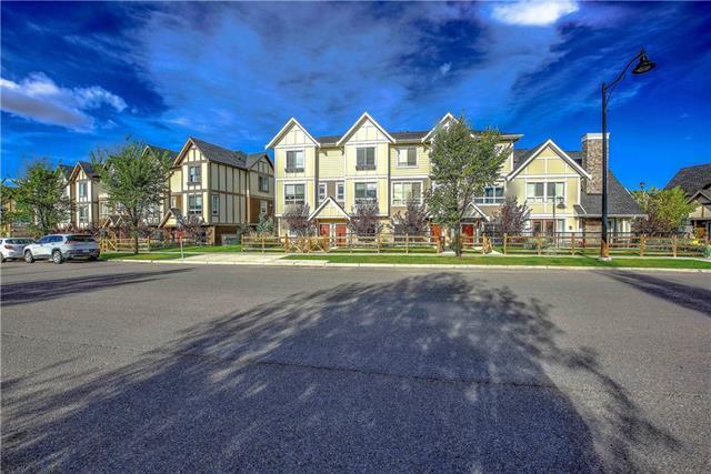 906 Sherwood Boulevard NW, Calgary, AB T3R 0V3 (#C4225060) :: The Cliff Stevenson Group