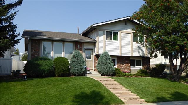131 Woodside Circle SW, Calgary, AB T2W 3K1 (#C4225152) :: Redline Real Estate Group Inc