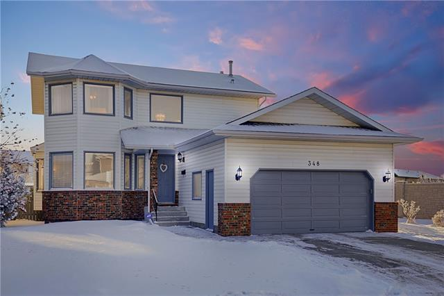 348 Hawkland Circle NW, Calgary, AB T3G 3R3 (#C4225169) :: Redline Real Estate Group Inc