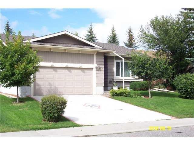 16 Woodfern Drive SW, Calgary, AB T2W 4E4 (#C4225487) :: Calgary Homefinders