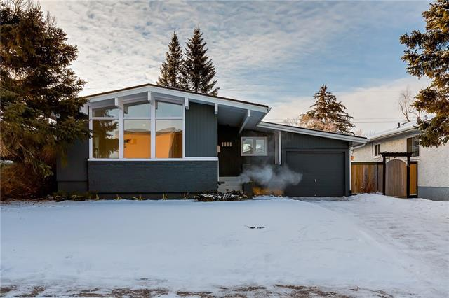 1615 32 Avenue NW, Calgary, AB T2L 0K4 (#C4225576) :: Redline Real Estate Group Inc