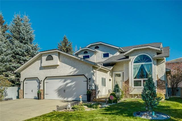 214 Woodbriar Circle SW, Calgary, AB T2W 6B4 (#C4225625) :: Redline Real Estate Group Inc