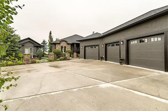 18 Cameron Close, Okotoks, AB T1S 2E8 (#C4225687) :: Redline Real Estate Group Inc