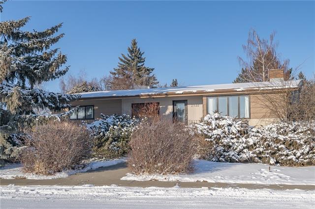 2132 58 Avenue SW, Calgary, AB T3E 1N3 (#C4225750) :: Redline Real Estate Group Inc