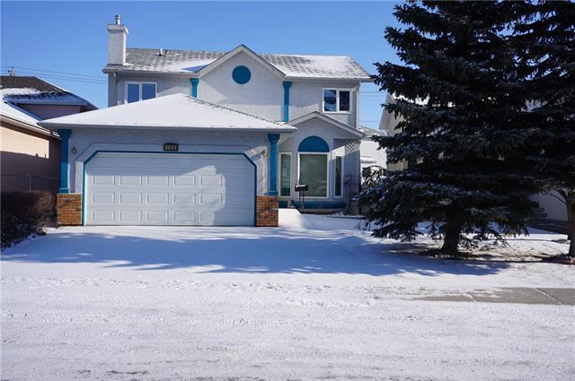 103 Applewood Way SE, Calgary, AB T2A 7N1 (#C4225853) :: Redline Real Estate Group Inc