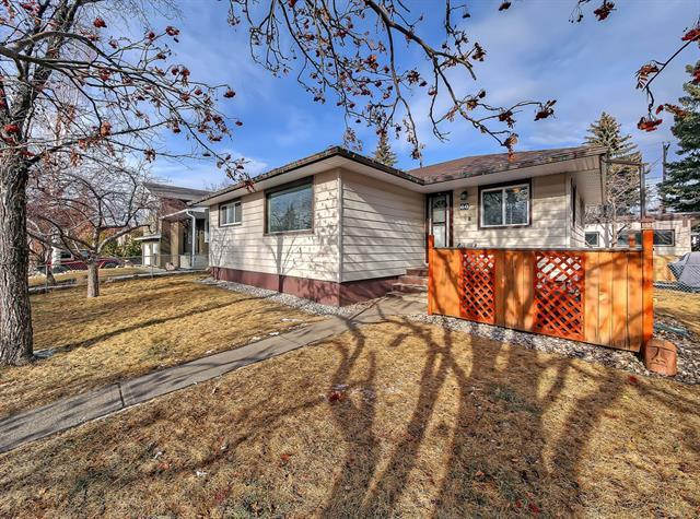 60 Westover Drive SW, Calgary, AB T3C 2S4 (#C4225883) :: Redline Real Estate Group Inc