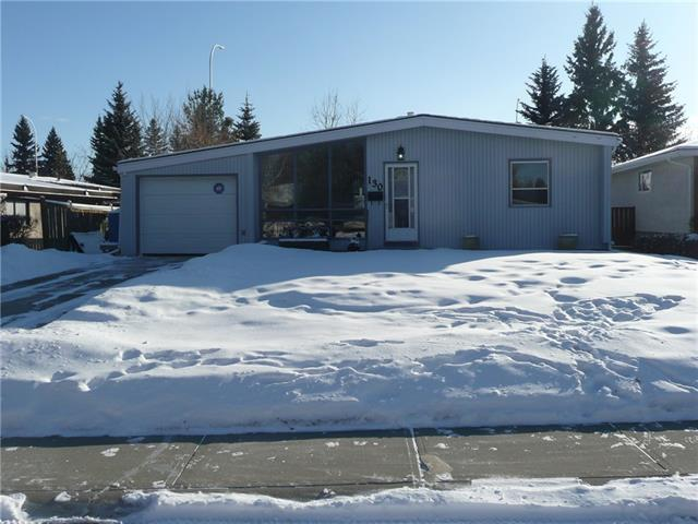 130 Oakmoor Place SW, Calgary, AB T2V 4A3 (#C4225963) :: Redline Real Estate Group Inc