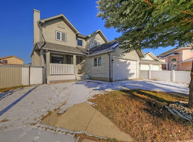 8 Appleridge Green SE, Calgary, AB T2A 7R6 (#C4226034) :: Redline Real Estate Group Inc