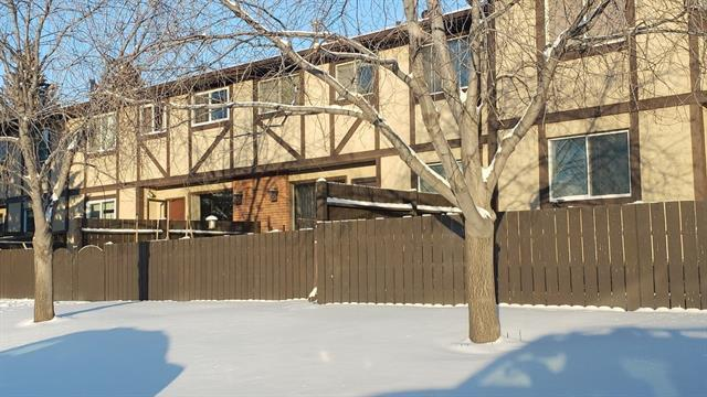 175 Manora Place NE #19, Calgary, AB T2A 5P7 (#C4226290) :: Redline Real Estate Group Inc
