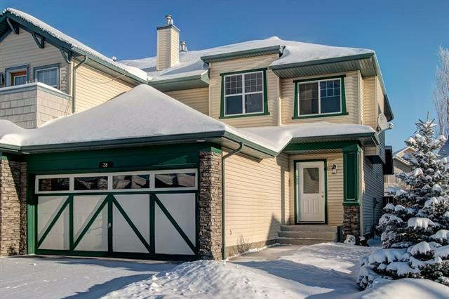 38 Cougar Ridge Bay SW, Calgary, AB T3H 5C4 (#C4226770) :: Redline Real Estate Group Inc