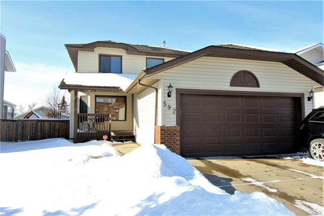 592 Meadowbrook Bay SE, Airdrie, AB T4A 2A9 (#C4226948) :: Redline Real Estate Group Inc