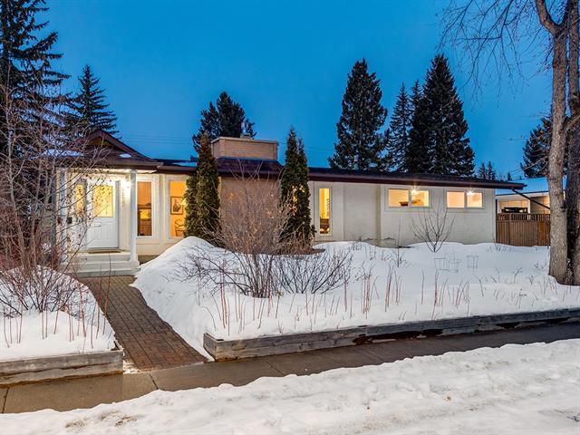 6512 Laurentian Way SW, Calgary, AB T3E 5N4 (#C4226981) :: Redline Real Estate Group Inc