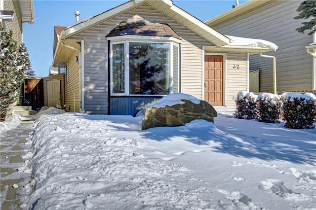 32 Martindale Boulevard NE, Calgary, AB T3J 3H3 (#C4227005) :: Redline Real Estate Group Inc