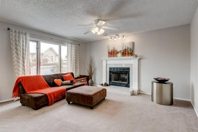 537 Woodbine Boulevard SW, Calgary, AB T2W 4P5 (#C4228177) :: Redline Real Estate Group Inc