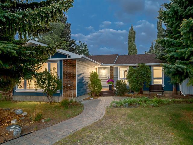 124 Parkside Place SE, Calgary, AB T2J 4K2 (#C4228243) :: The Cliff Stevenson Group