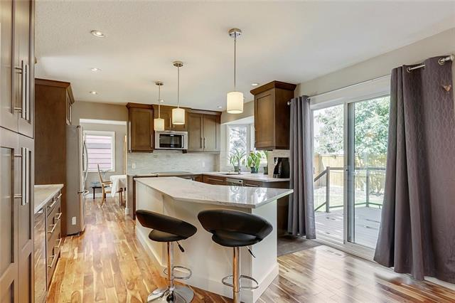 12711 17 Street SW, Calgary, AB T2W 4B5 (#C4228279) :: Redline Real Estate Group Inc