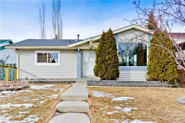 7 Ranchero Bay NW, Calgary, AB T3G 1B6 (#C4228331) :: Redline Real Estate Group Inc