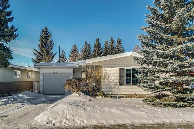 3207 15 Street NW, Calgary, AB T2L 0J9 (#C4228786) :: Calgary Homefinders