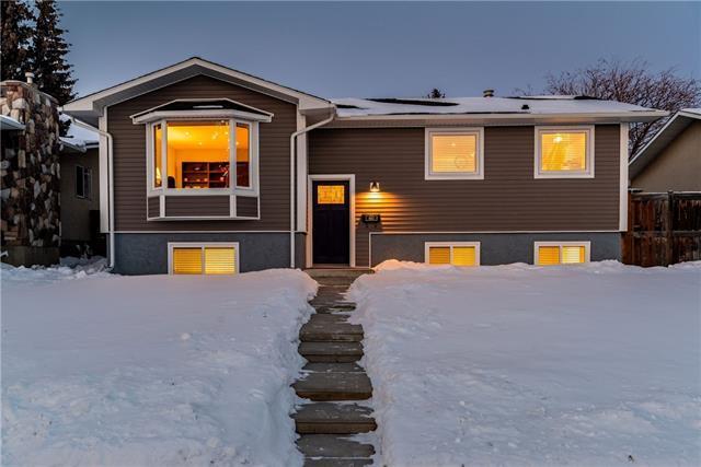 460 Huntbourne Way NE, Calgary, AB T2K 5G4 (#C4229154) :: The Cliff Stevenson Group