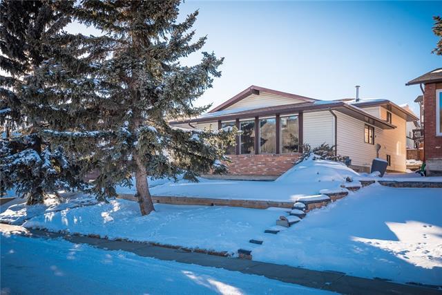 76 Edgewood Drive NW, Calgary, AB T3A 2T5 (#C4229274) :: The Cliff Stevenson Group