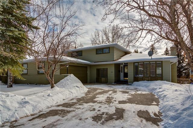 211 Willow Ridge Place SE, Calgary, AB T2J 1N2 (#C4229470) :: The Cliff Stevenson Group