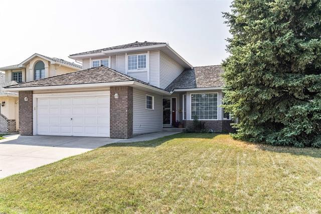 181 Woodpark Court SW, Calgary, AB T2W 6E7 (#C4229676) :: Redline Real Estate Group Inc