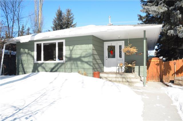 20 Laxton Place SW, Calgary, AB T3E 5E8 (#C4229768) :: Redline Real Estate Group Inc