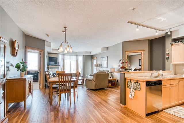 15 Everstone Drive SW #330, Calgary, AB T2Y 5B5 (#C4232043) :: Redline Real Estate Group Inc