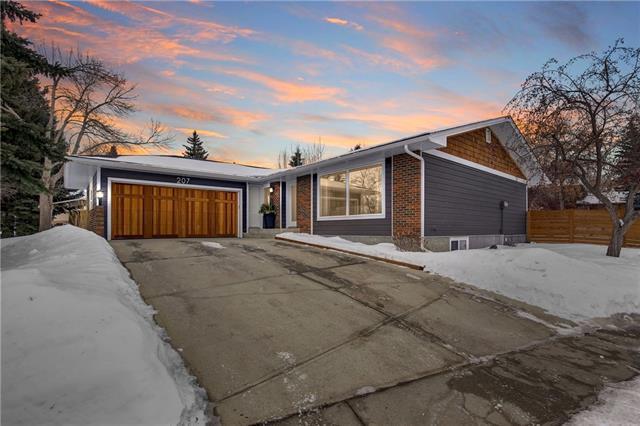 207 Parkside Green SE, Calgary, AB T2J 4K1 (#C4232167) :: Calgary Homefinders